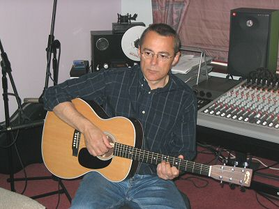 Dave Keir with Martin OOO-28